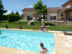 cottage figeac with swimming pool